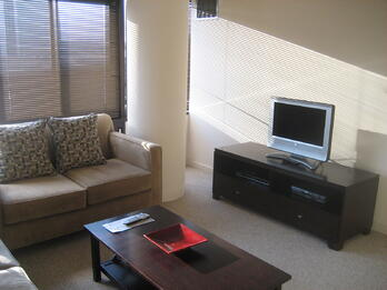 Biltmore 709-Livingroom3