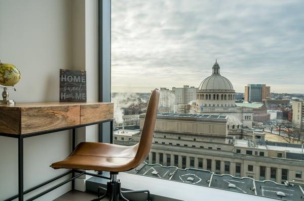 30 1405-Desk & View